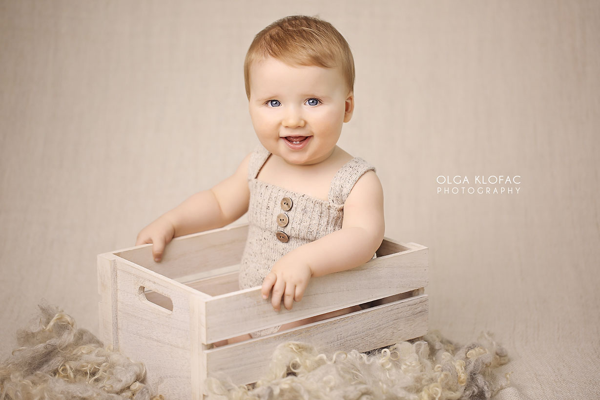 professional photograph of 9 month old baby boy by Olga Klofac Photography Mayo