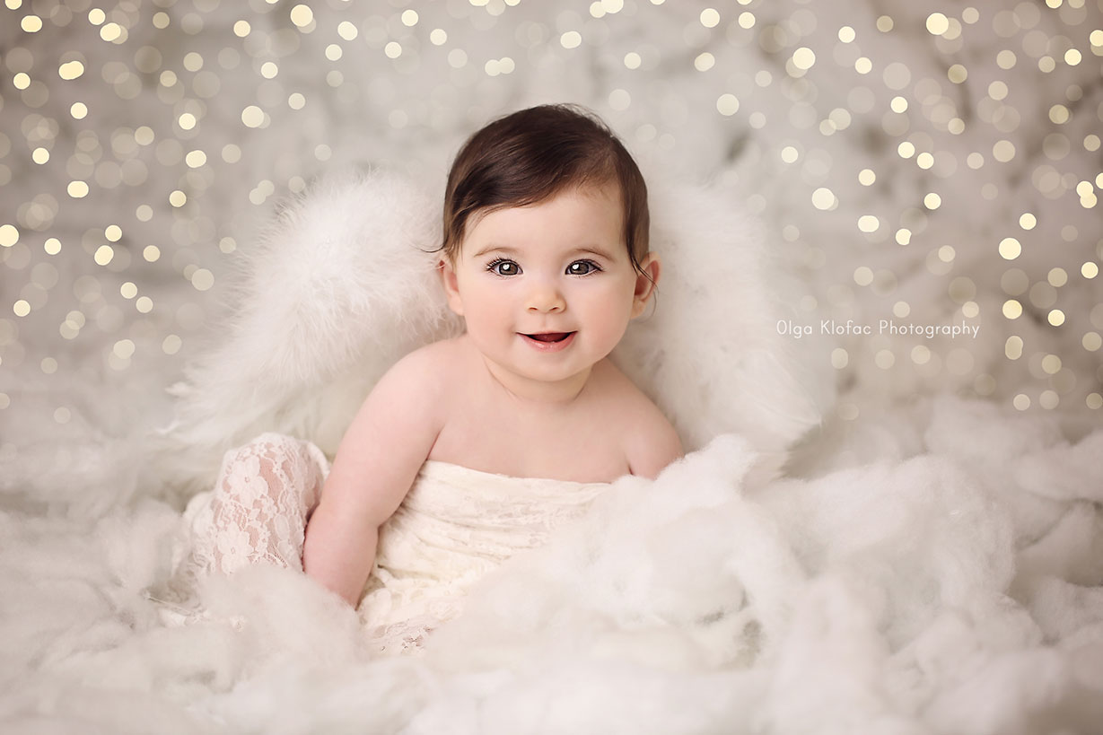 Olga Klofac Photography Christmas Cherub mini session for babies