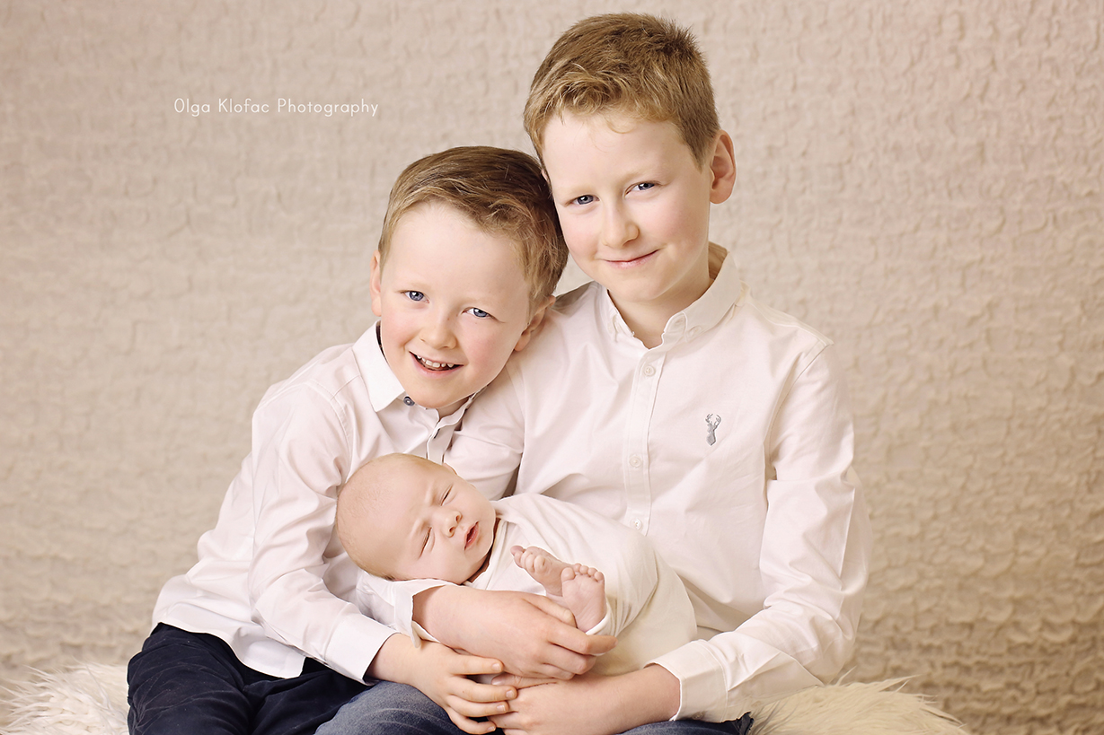 family photo of three brothers taken by Olga Klofac professional family photographer Roscommon