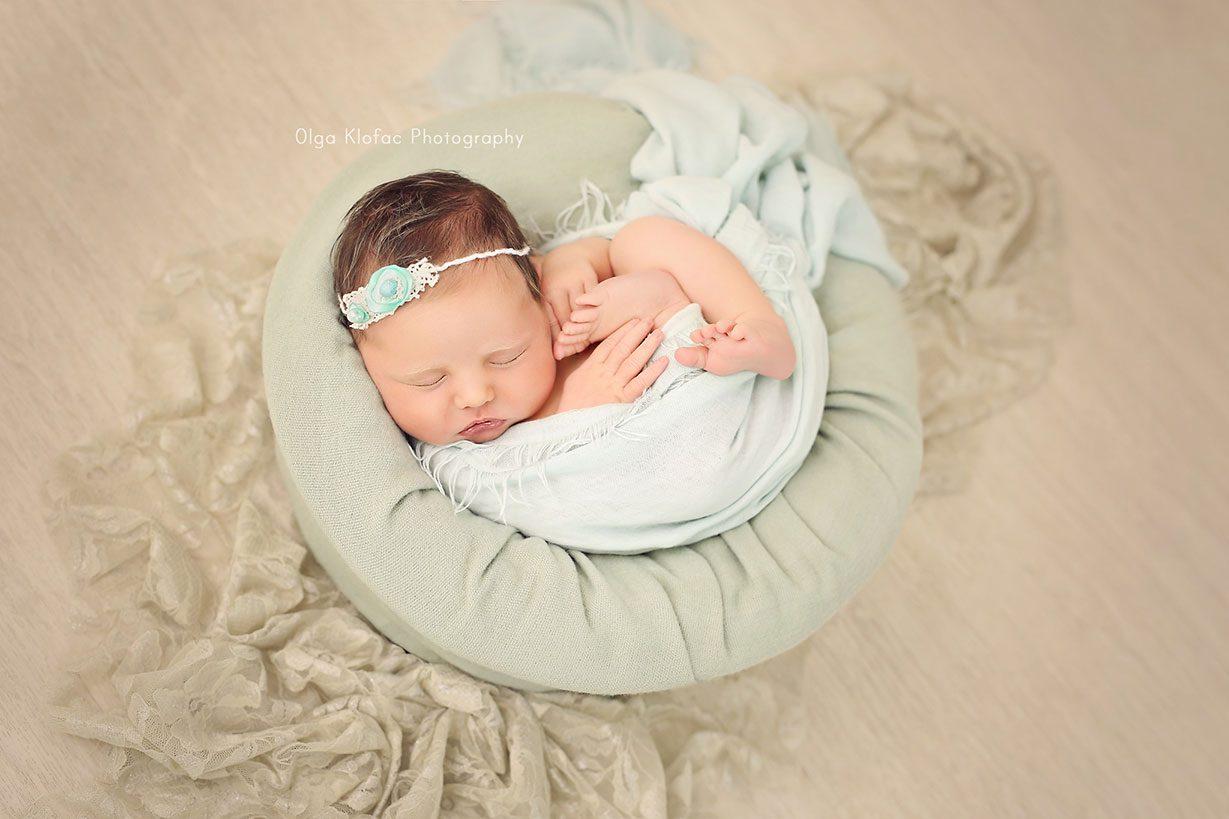professional photograph of newborn baby girl by Olga Klofac Photography Mayo