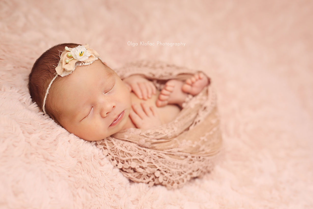 newborn twins photo shoot