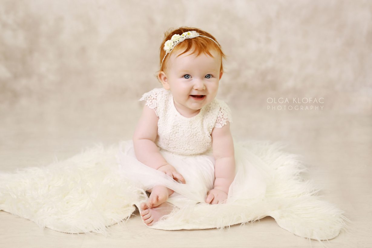 professional photograph of 10 month old baby girl by Olga Klofac Photography Mayo