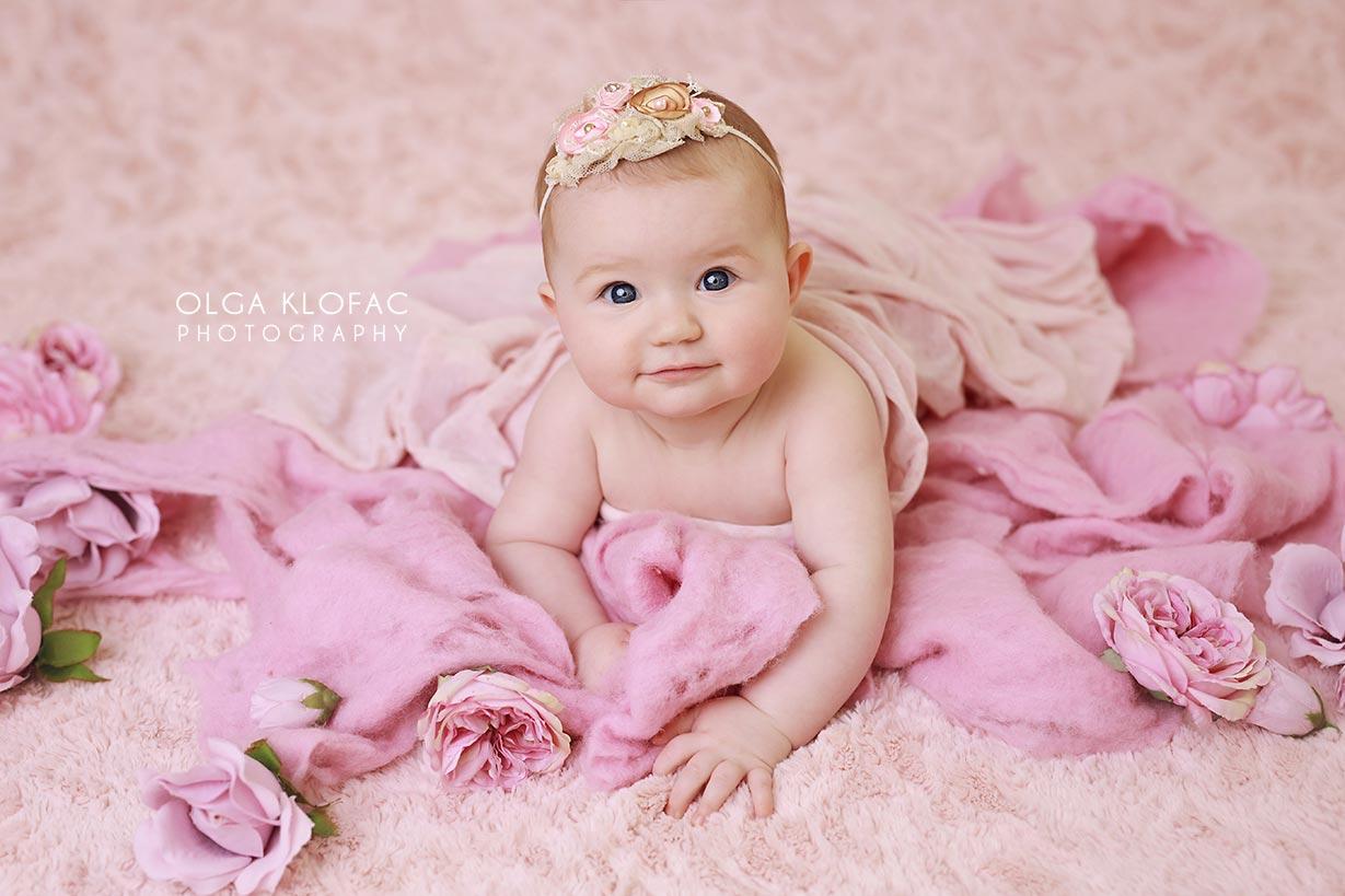 professional photograph of 6 month old baby girl by Olga Klofac Photography Sligo